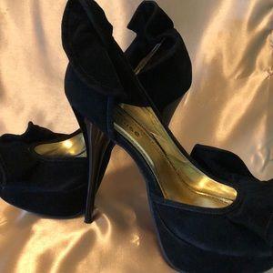 Black stilettos...new